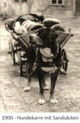 sw Foto: Hundekarre mit Sandsäcken - 1900