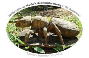 Farbfoto: Holzskulptur einer Waldameise - 2020, AT