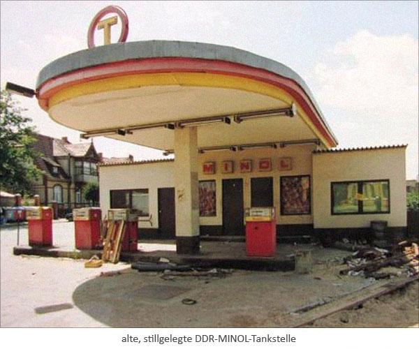 Farbfoto: alte, stillgelegte DDR-MINOL-Tankstelle