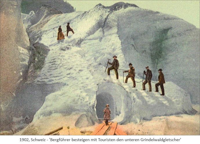 Farblitho: Bergführer besteigen mit Touristen den unteren Grindelwaldgletscher - 1902, Schweiz