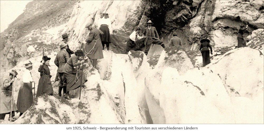 sw Foto: geführte Bergwanderung mit Touristen aus verschiedenen Ländern ~1925, Schweiz