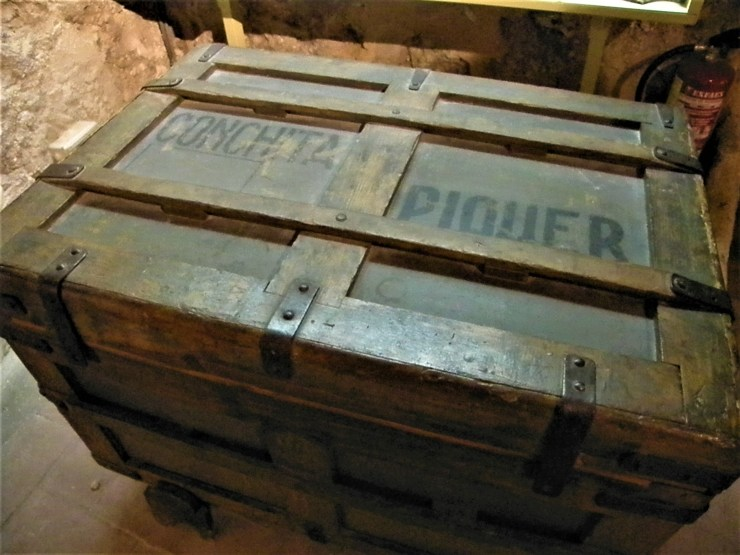 Conchita Piquer's trunk. She was a very famous Spanish actress and couplet singer