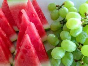 Karpuz ve üzüm çabuk acıktıran meyvelerdendir