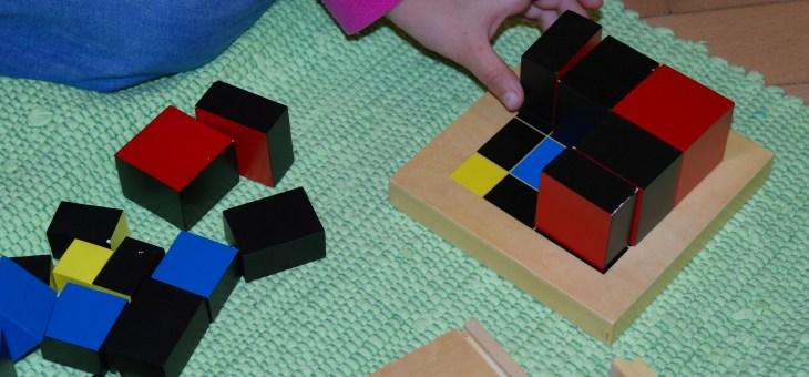Binomická a trinomická krychle Montessori