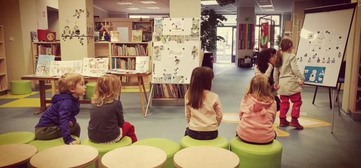 V knihovně…