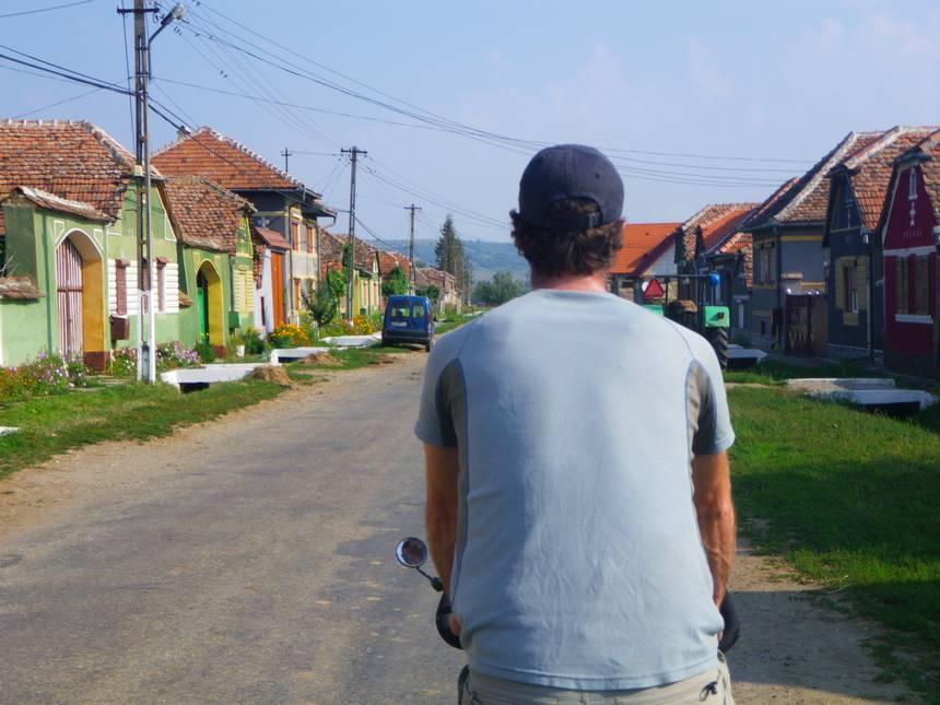 Voyage à vélo en Roumanie, beau village