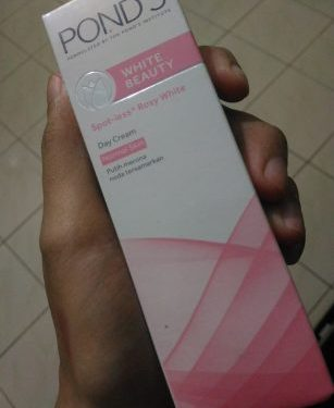 Review Ponds White Beauty Day Cream