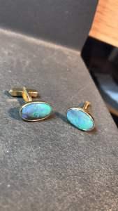 Opal in Gold