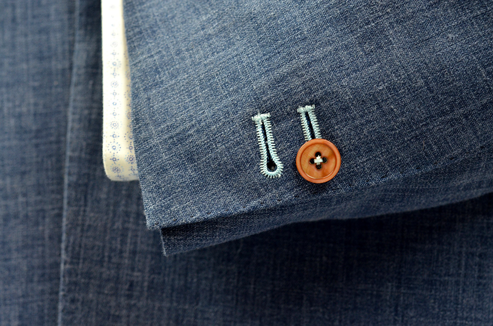 accent button holes
