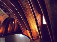Barcelona_Gaudi_arches