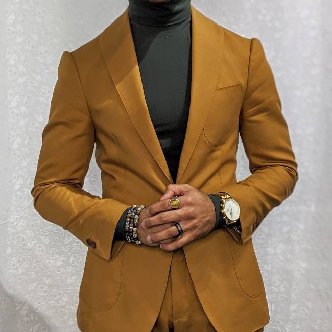 How to Wear a Cotton Suit