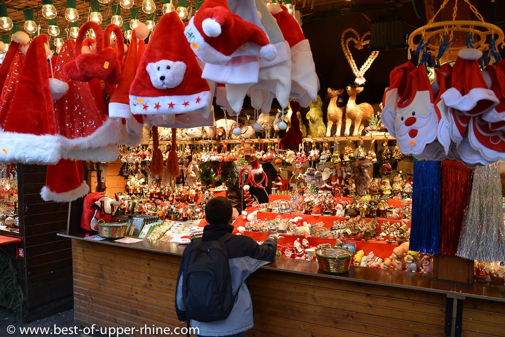 child dream at the Broglie square Christmas market in Strasbourg