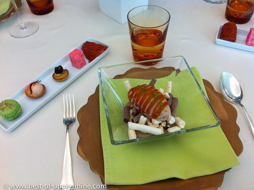 Dessert at l'Auberge de l'Ill in Illhauesern.