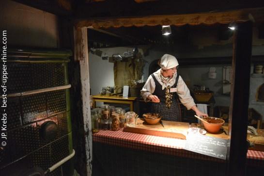 Baking Christmas cookies as in the past. Alsatian Living Museum in Ungersheim.