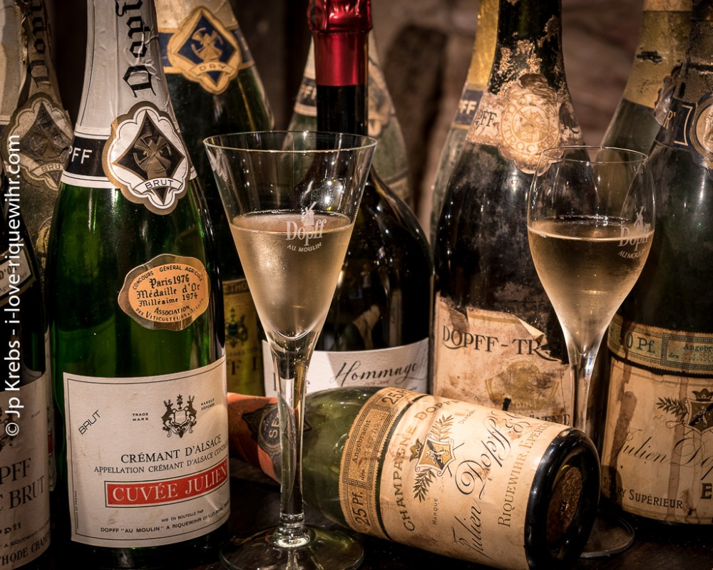 115 years of sparkling wines from Domaine Dopff Au Moulin in Riquewihr ... On the left, the wines created by Julien Dopff before the war of 1914-18. On the right, the cuvée Julien Dopff currently produced at the estate.