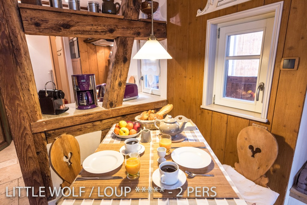 The dining place of the The Little Wolf, lovely apartment in Riquewihr in Alsace for 2 persons just near the Schœnenbourg vineyard on the Alsace wine route
