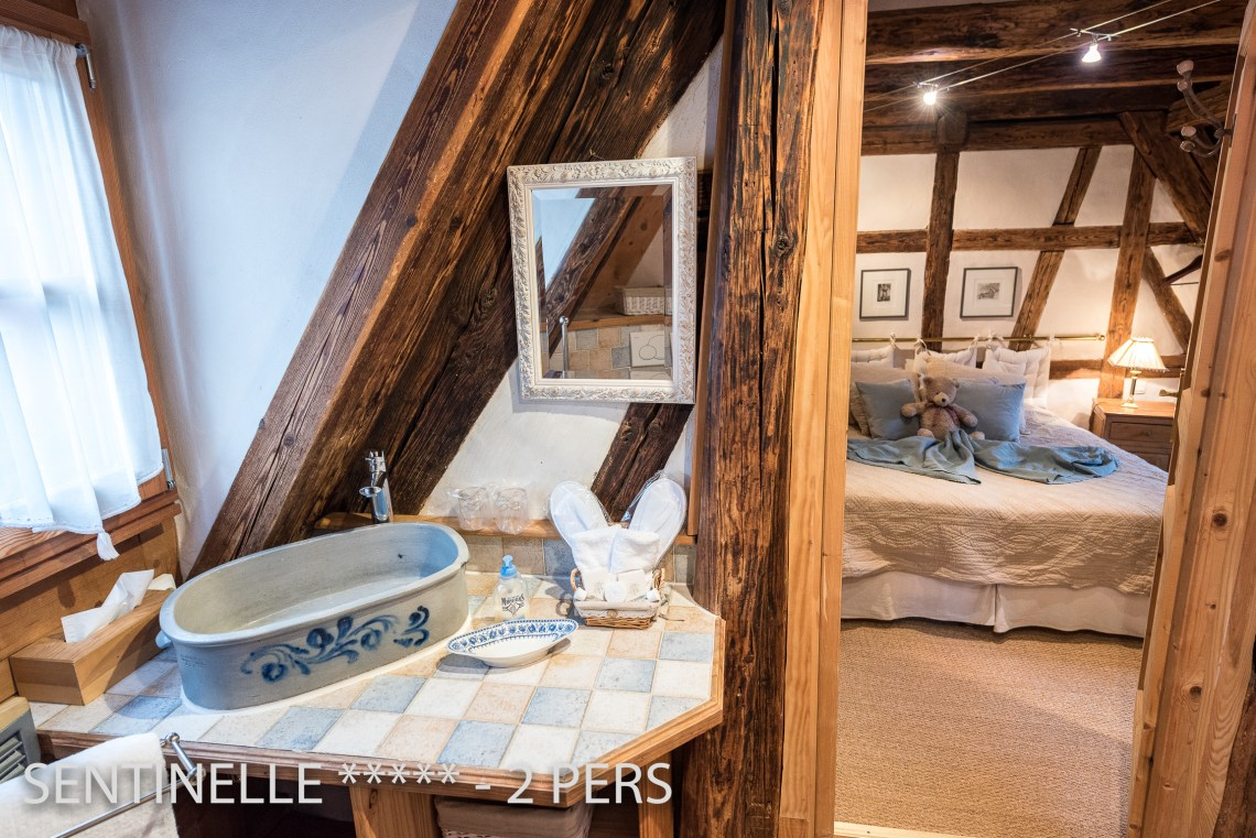 The bathroom of the Sentinel, charming holiday apartment for 2 persons in Riquewihr