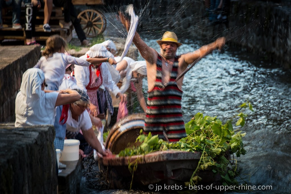 The washerwomen of Scherwiller. Street theater in summer: the last two Fridays of July and the first two Fridays of August.
