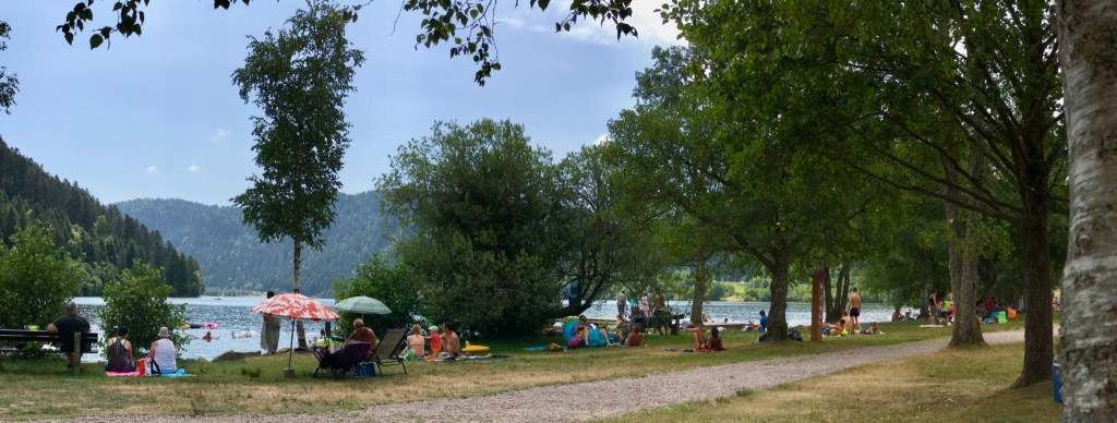 Picnic and swimming at Lake Longemer