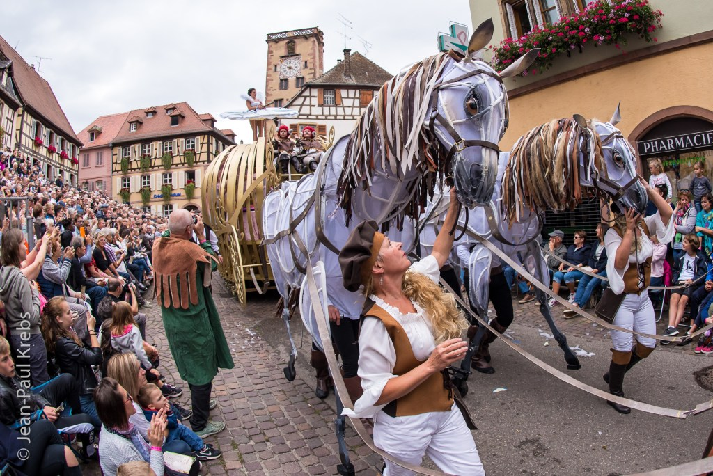 Grand parade of the Pfifferdaj 2018 which was about the tales of Charles Perrault.
