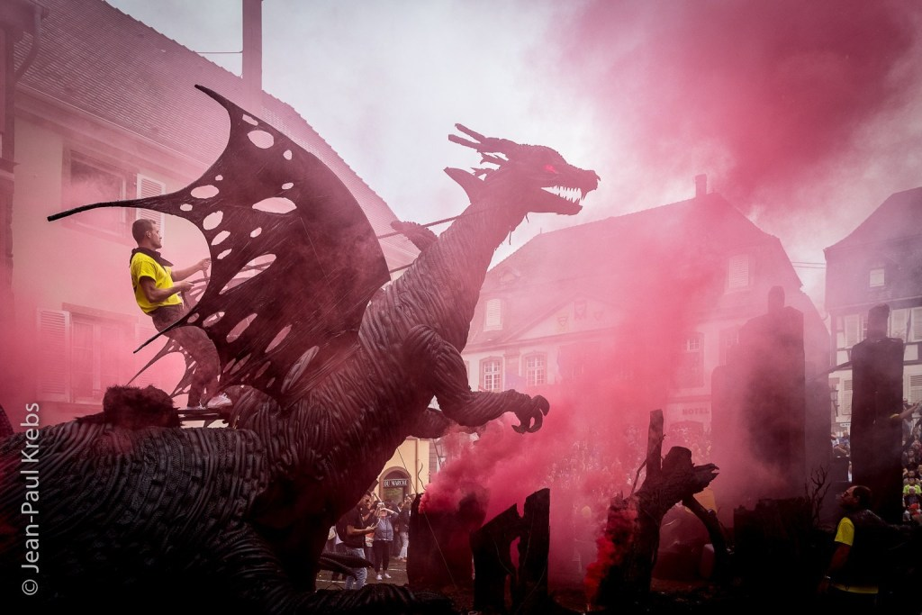 """The famous Dragon was declared the """"most beautiful chariot"""" of the Pfifferdaj in 2017. Since then, it makes an appearance noticed every year at the medieval Christmas market of Ribeauvillé."""