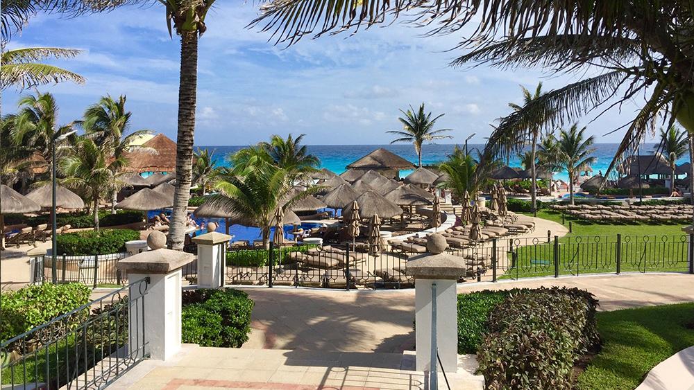 jw-marriott-cancun-resort-and-spa-slider-6