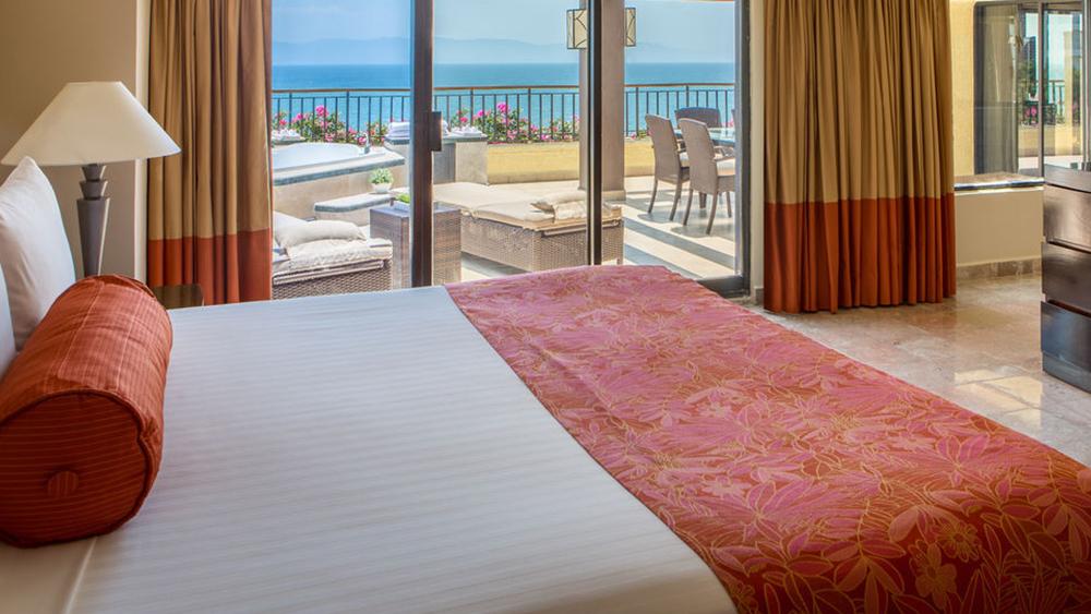 marriott-puerto-vallarta-resort-and-spa-slider-4