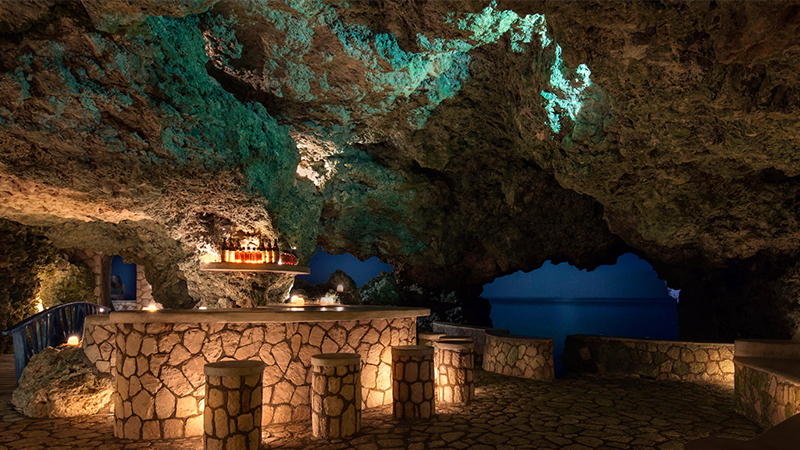spooky-caribbean-hotels-caves
