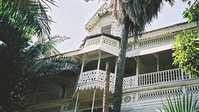 spooky-caribbean-hotels-hotel-oloffson