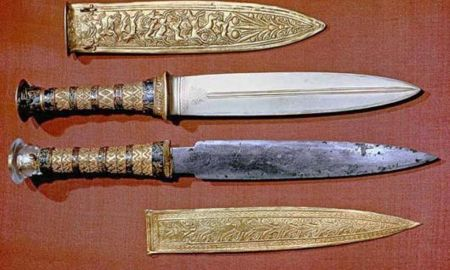 king tuts dagger is out of this world - King Tut's dagger is 'out of this world'