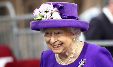 1518452205 queen elizabeth has declared war on plastic - Queen Elizabeth has declared war - on plastic