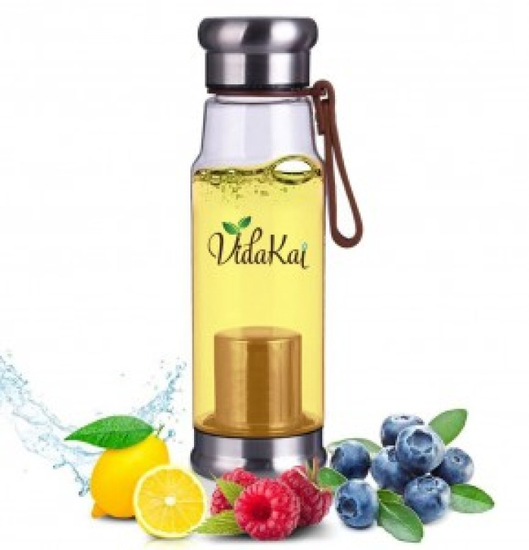 Vidakai Loose tea infuser water bottle with fruits and berries, this bottle is the best water bottle for tea.