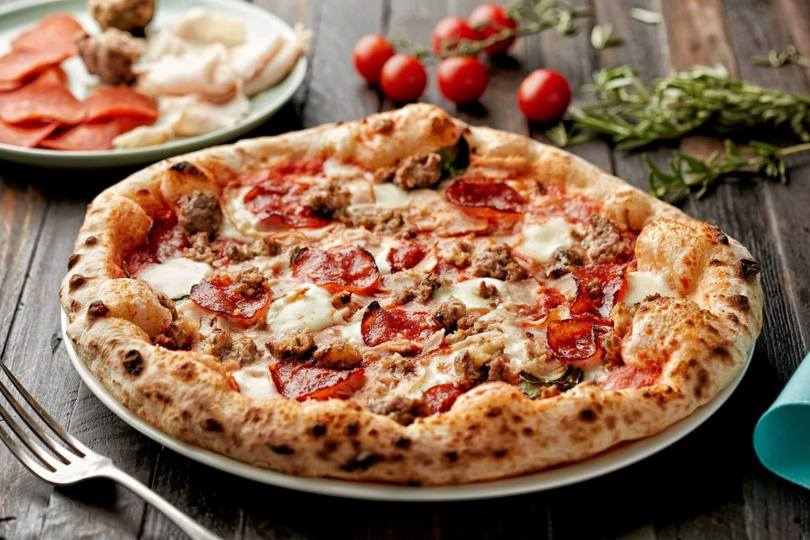 800 Pizza Is The Best Pizza In Dubai