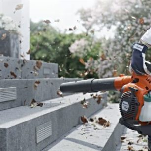 how to use backpack blower