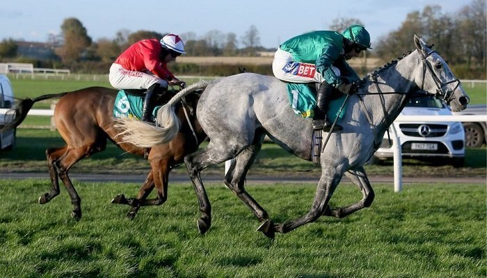 Ante Post Betting on the Charlie Hall Chase 1