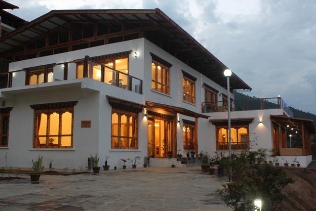 khach-san-bhutan-zingkham1