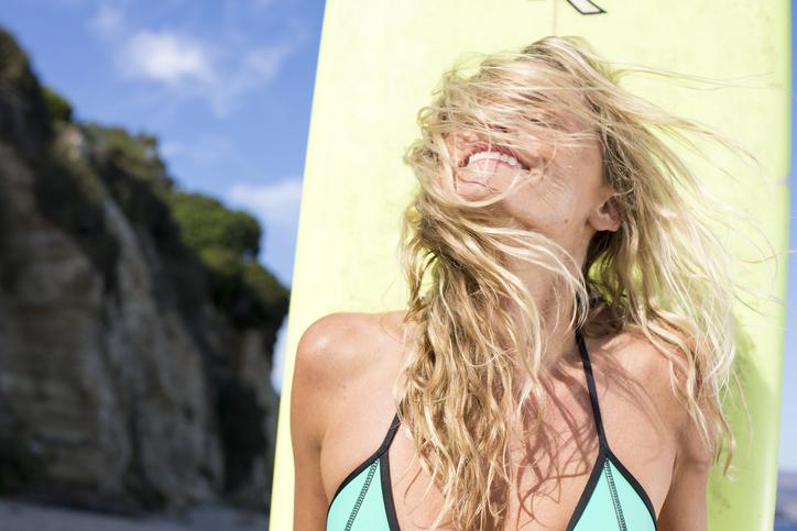 9 astuces très efficaces pour éclaircir naturellement ses cheveux!