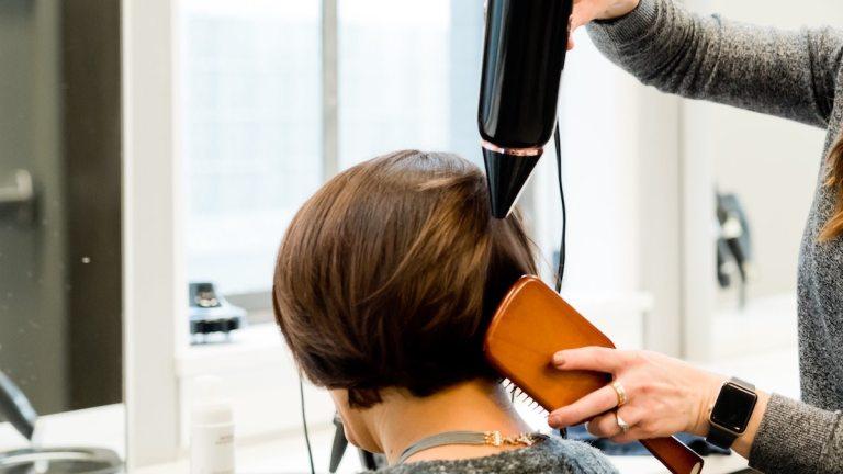 Tendances coiffures 2021 : Découvrez les astuces pour changer de tête !