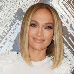 Vous devez absolument voir Jennifer Lopez avec des petits pains spatiaux des années 90