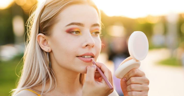 The 4 Best Compact Mirrors