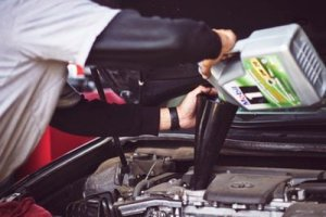 Changing the oil on a regular basis is extremely important when you prepare your car for a cross country move.