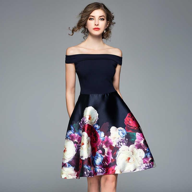 Menina em vestido de flor