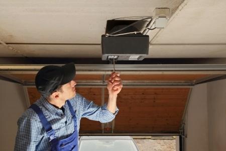 Garage Door Installation Contractor