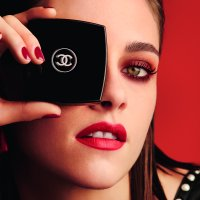 CHANEL Fall 2016 LE ROUGE COLLECTION N°1