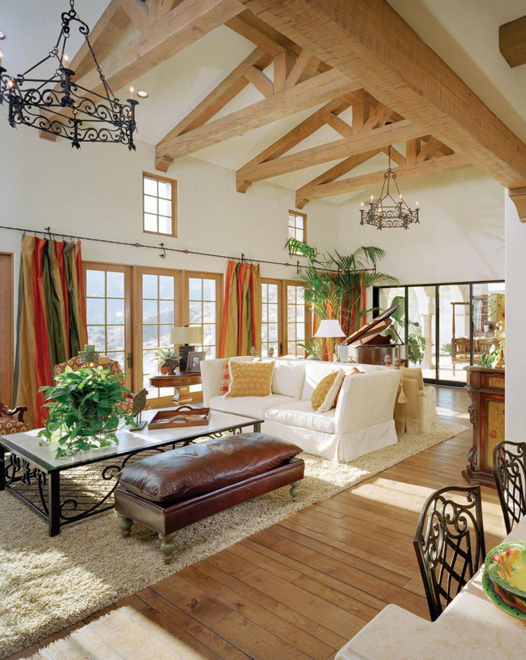 Mediterranean-Style living room design ideas on Apartment Decorating Styles  id=48770