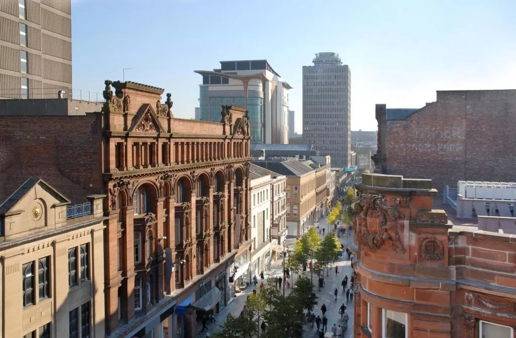 Best area to stay in Glasgow for nightlife - Sauchiehall Street