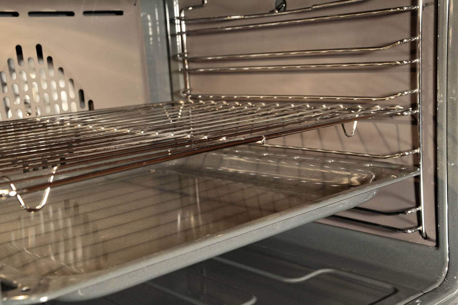 5 Proven Effective Ways To Clean Oven Racks Yourself
