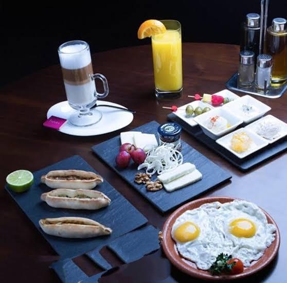 أفضل مطاعم فطور في الرياض