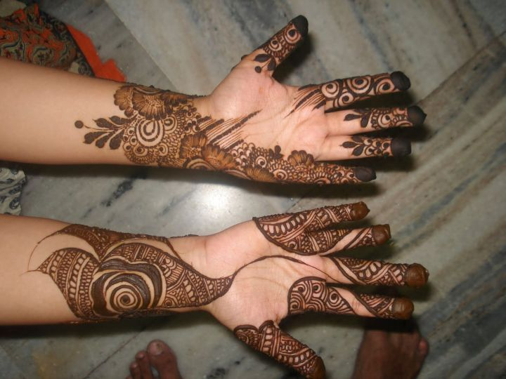 Simple Festive mehndi Design For Front Hand