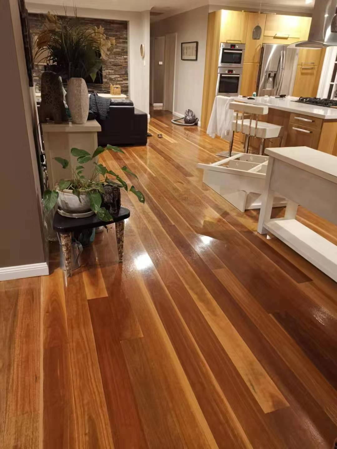 Sand and polish - Spotted Gum - 002